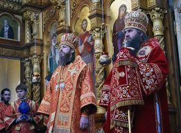Владыки Варнава и Георгий
