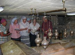 Акафист над гробом святого