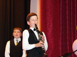 На кларнете