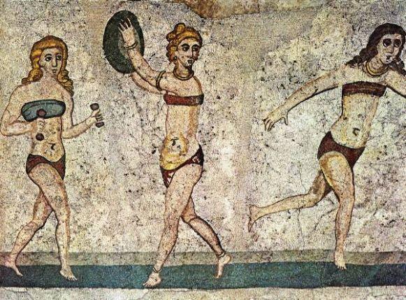 Древние критянки за занятием спортом