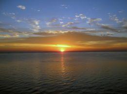 Восход над морем