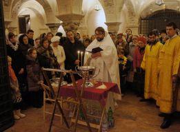 Молебен у мощей св. Николая